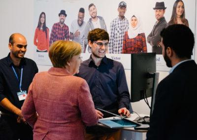 Bundeskanzlerin Dr. Angela Merkel bei Ihrem Besuch von Kiron